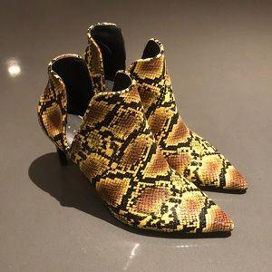 WORN ONCE - Snake print booties